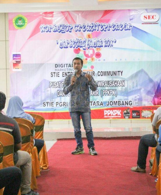 UKM STIE Entrepreneur Community Sukses Mengadakan  Workshop Creativepreneur