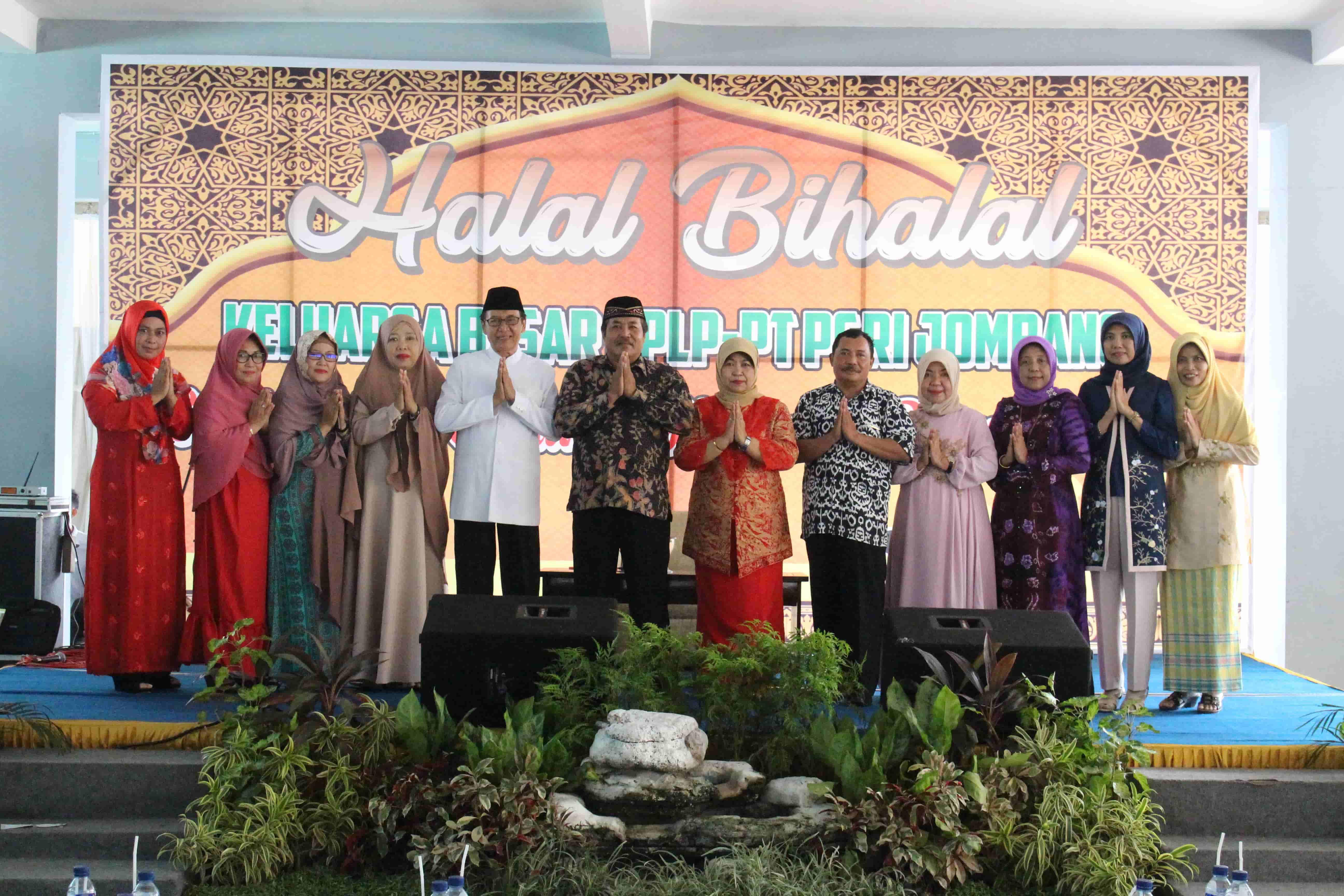 Tingkatkan kebersamaan dengan Halal Bi Halal Keluarga Besar PPLP. PT. PGRI Jombang