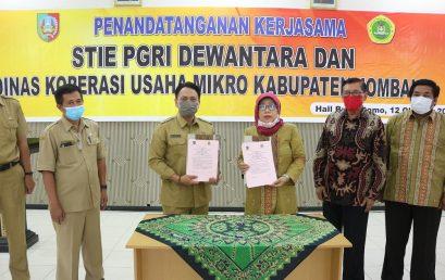 Penandatanganan Kerjasama Antara STIE PGRI Dewantara Jombang dengan Dinas Koperasi Usaha Mikro Kabupaten Jombang
